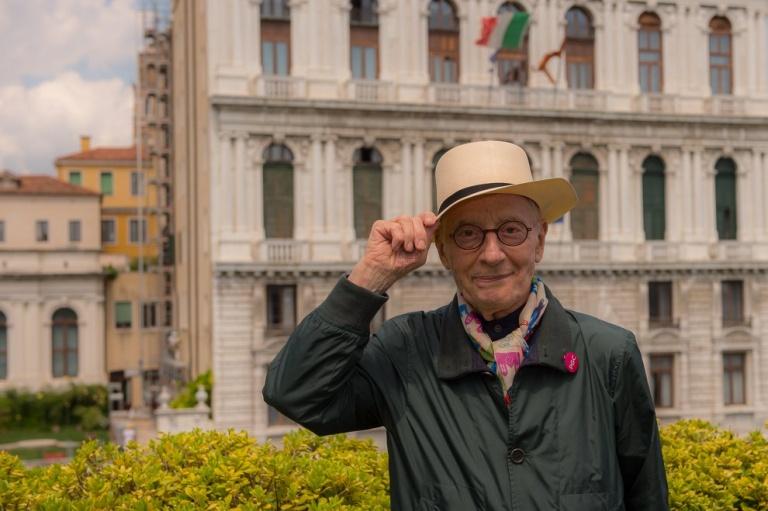 Alessandro Mendini, padrino della biennale do ut do 2018-19